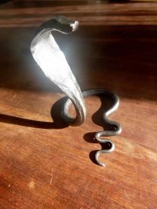2016 Kobra, kov, 20 x 15 cm (2)