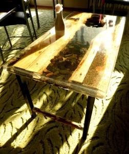 2019, Konferenční stůl,dřevo,kámen, železo a epoxidová pryskyřice  50 x 98 x 50 cm